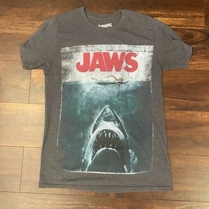 Jaws shirt graphic Tee small